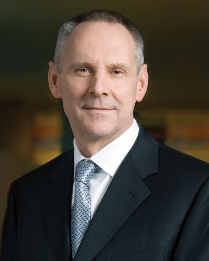 Four Seasons names John Davison president/CEO